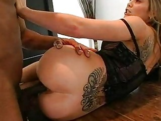 Tight ass blonde bitch with huge back tattoo gets nailed on desk