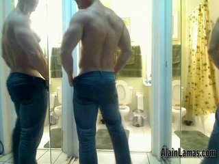 Muscle Dude Showing Hard Ass!!...
