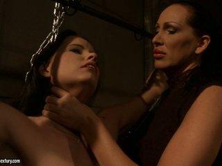 Mandy Bright hawt slut choking a lusty babe