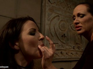 Mandy Bright love fingering her lusty slave