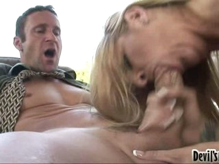 Robbye Bentley gives the fortunate stud a wild messy blow on the cock