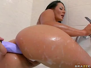 Round assed brunette Sandra Romain loves playing with dildo in the bath. This babe takes it in her big wet ass. Her sexy ass is ready to take a cock. This babe takes one in her anal tunnel with big desire.