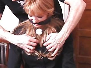 Rick slaps a hot woman butt-cheeks