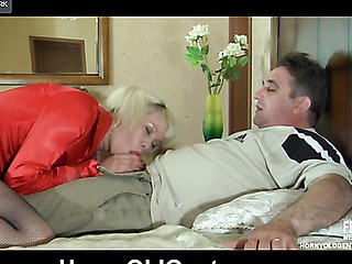 Cute hotty reveals some of her tricks seducing her old paramour into dicking
