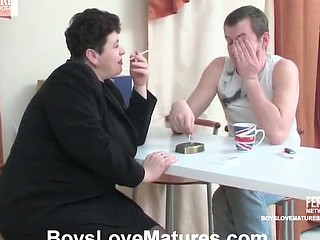 Voluptuous aged gal getting her fleshy twat thrusted with juvenile pecker