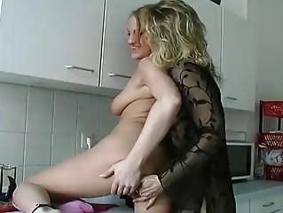 German lesbians take a break from dishes - KLBR Produktion