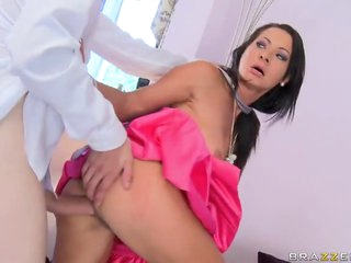 Sexy Milf Shows How Hardcore Sex with Big Cocks is Done